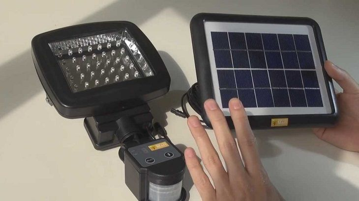 Reasons to Use LED Solar Flood Lights for Security